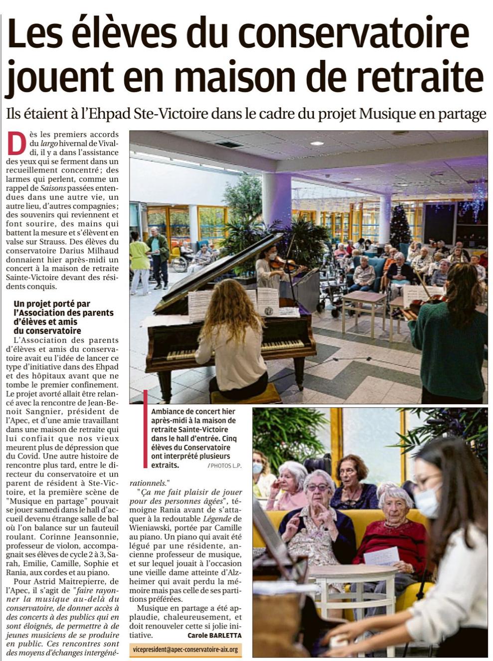 les élèves du conservatoire jouent à la maison de retraite sainte victoire à Aix en Provence